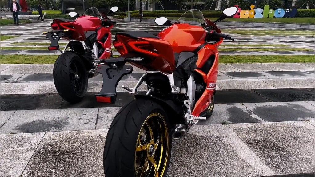 Moxiao 500RR với mức giá 127 triệu | Bản Rep 1:1 của Panigale 959