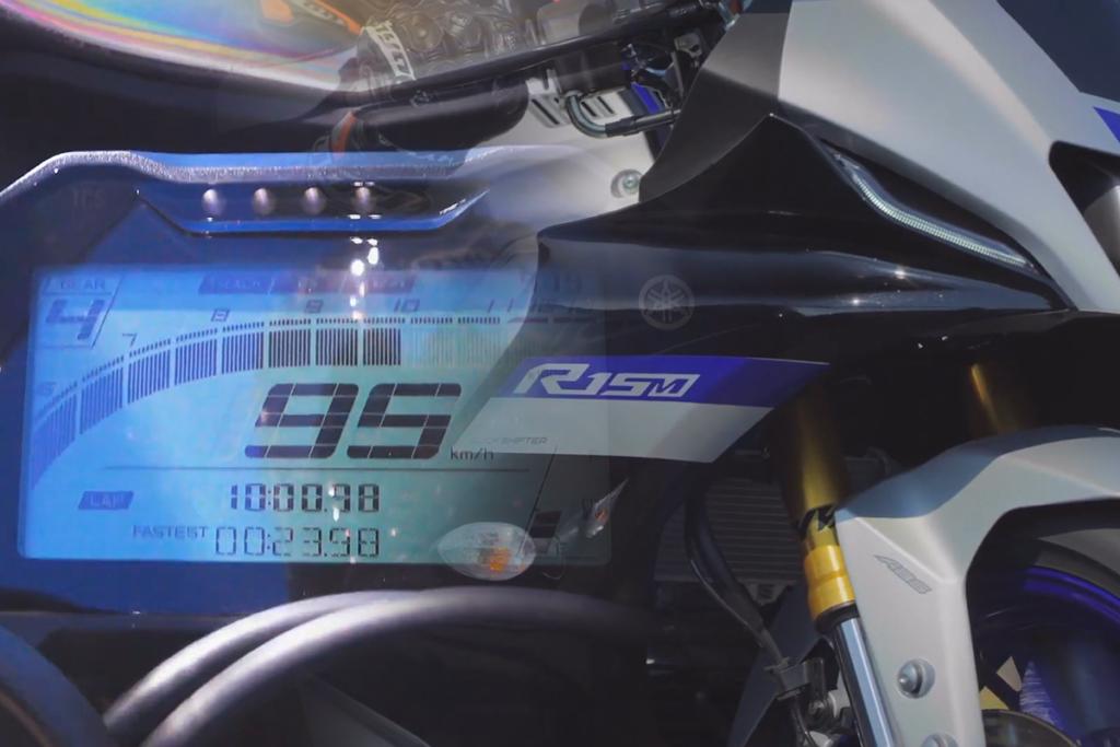 Cận cảnh chi tiết Yamaha YZF-R15 V4 và R15M 2022